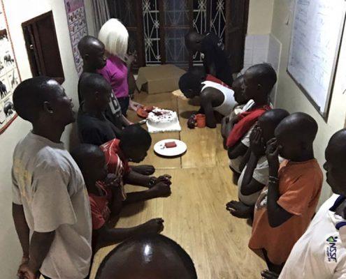 The children pray for Jane